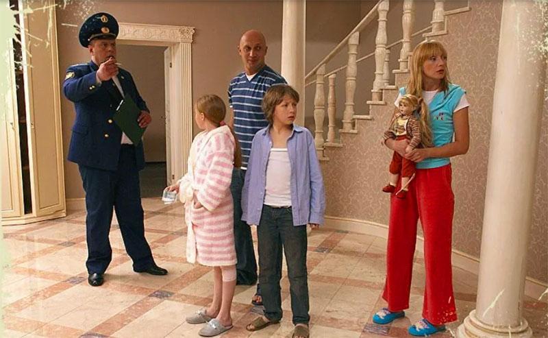 И вот наш главный секрет: именно в доме Ольги Орловой снимали популярный фильм «Любовь-морковь»