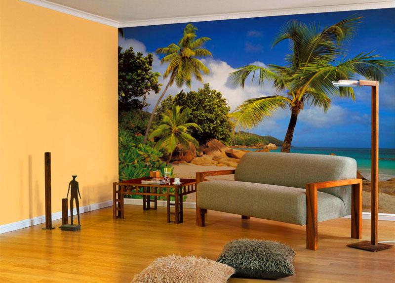 Очень странно выглядят фотообои с изображением пляжа, особенно в квартире, которая находится в холодном северном городе