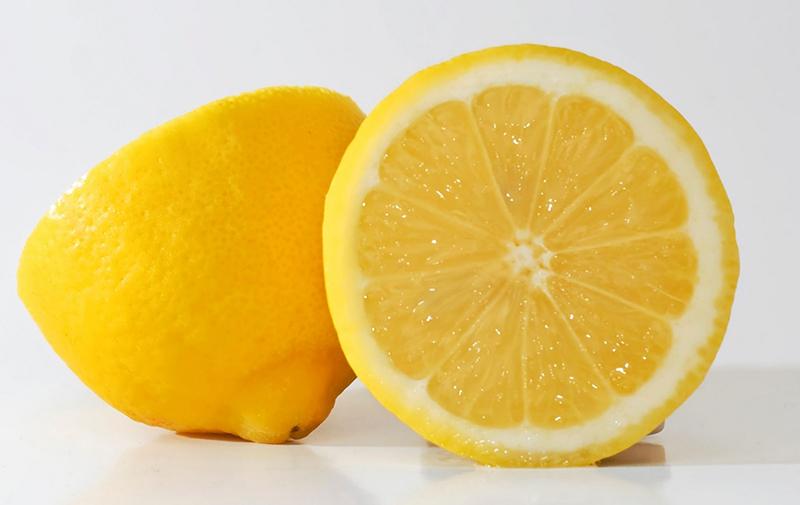 Лимонный сок достаточно эффективен