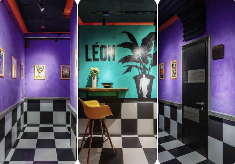 Пол и нижняя часть коридоров оформлена в виде шахматной доски, верхняя поверхность покрашена в насыщенной фиолетовой гамме