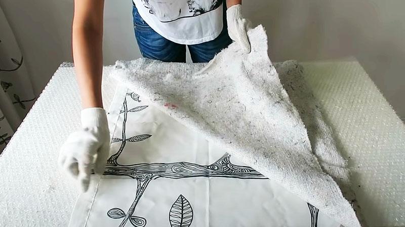 Ткань готова, клей высох, можно приступать к перетяжке сиденья