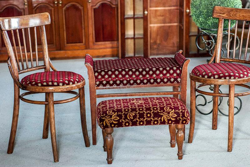 Сидя на этих стульях, можно почувствовать себя аристократом