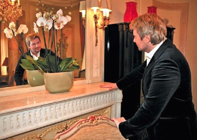 Николай Басков показал, какой дизайн в его апартаментах сделал Валентин Юдашкин