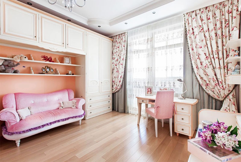 Первое жильё Лена оформила в любимой розовой гамме