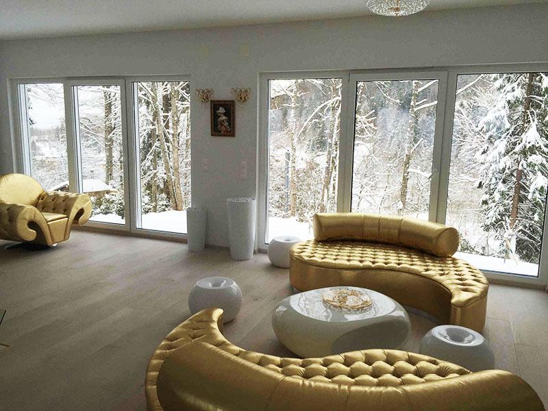 Для отделки дома выбраны исключительно натуральные материалы