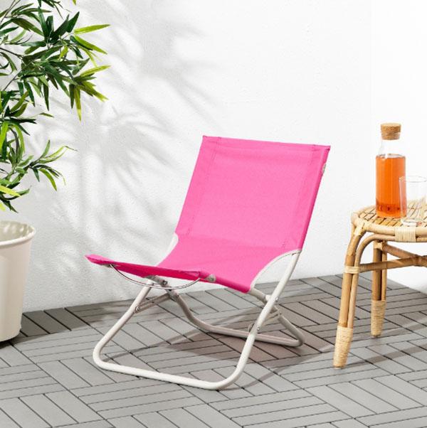 Лёгкий складной стул удобно переносить