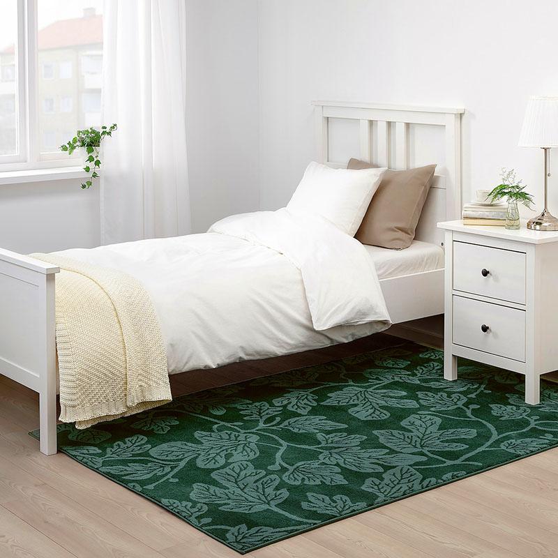 Благодаря практичному материалу поддерживать ковёр в чистоте будет совсем не сложно