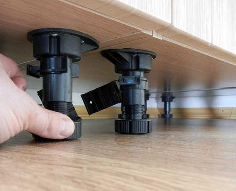 Стандартные регулируемые ножки для кухонного гарнитура