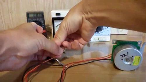 Халявная электроэнергия из воздуха: простой ветрогенератор своими руками