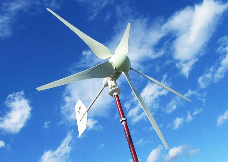Горизонтальный ветряк может иметь 2, 3 и более лопастей, это зависит от интенсивности ветров в регионе