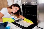 Быстро и чисто: как убрать жир с кухонной мебели подручными средствами