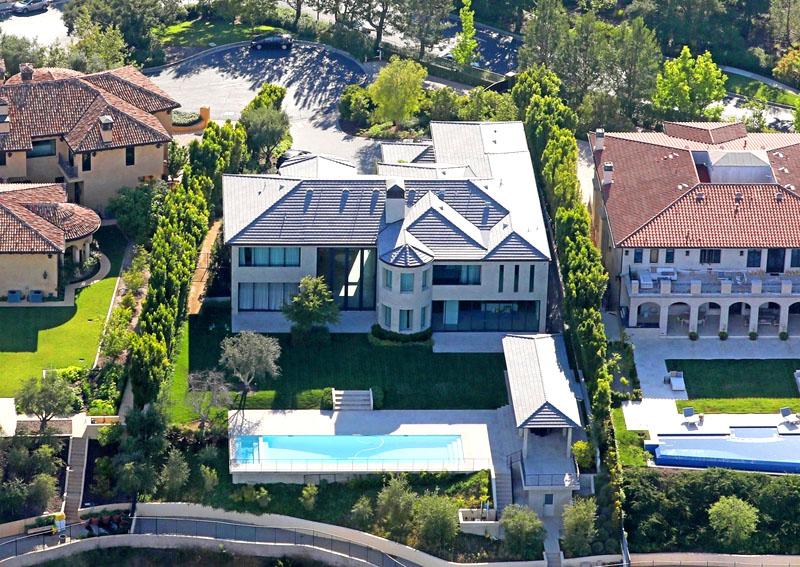 Где живёт возможный будущий президент США Канье Уэст