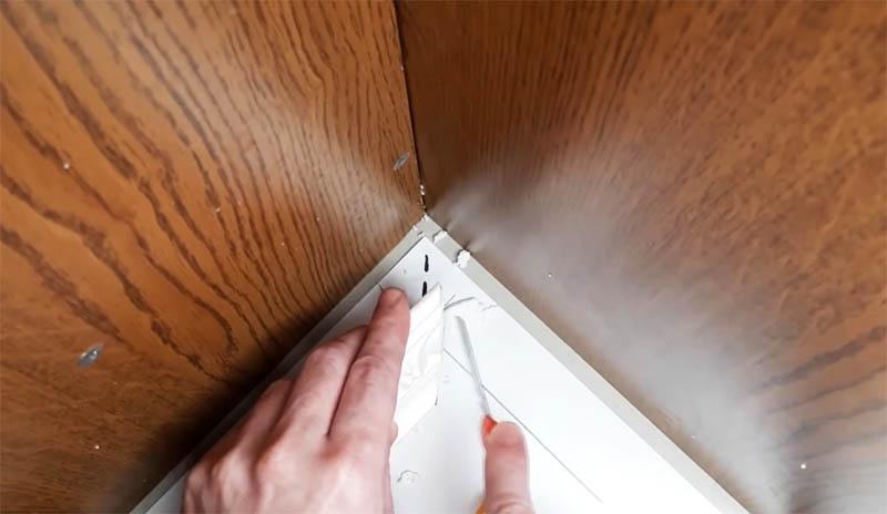Обналичка на двери: простейший способ зарезки под 45° даже без опыта