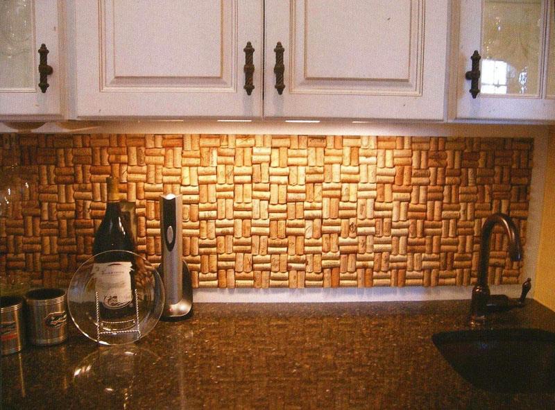 Фартук из пробок станет настоящим украшением кухни, оформленной в деревенском, скандинавском или экостиле