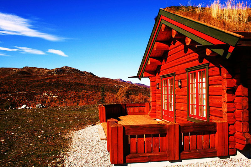 Как покрасить дом глиной и известью