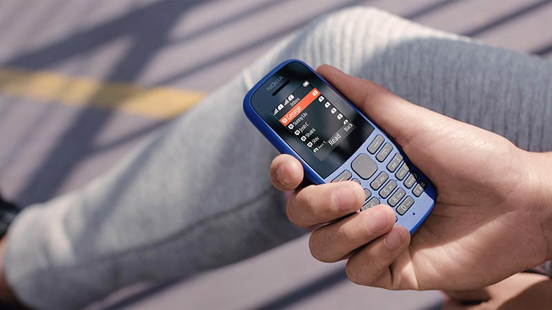 И даже больше того – сейчас пошёл тренд на кнопочные копеечные телефоны, которые невозможно взломать и отследить, а это важно для состоятельного человека