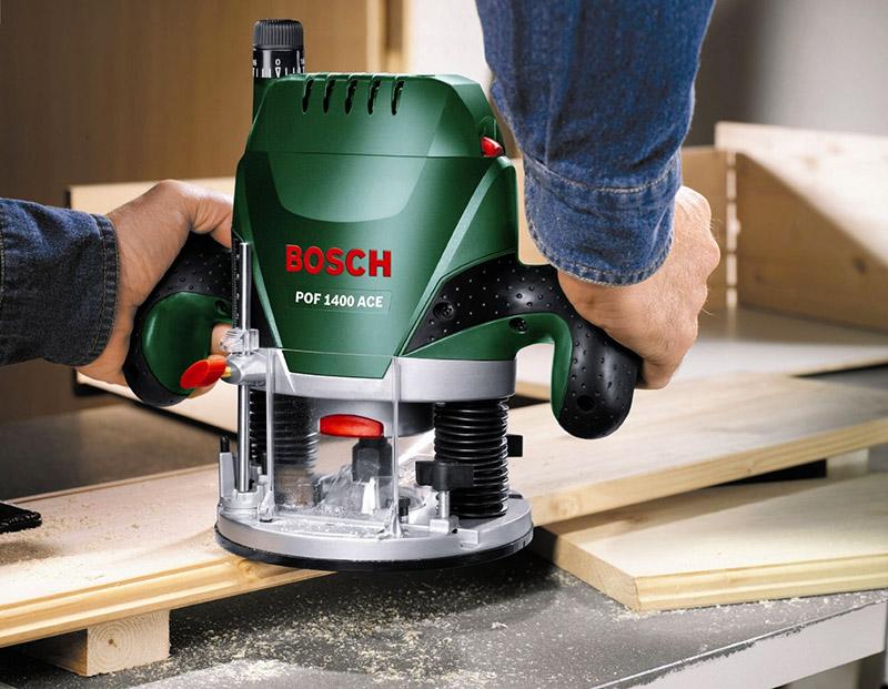 Ручной фрезер позволяет выполнять множество различных операций