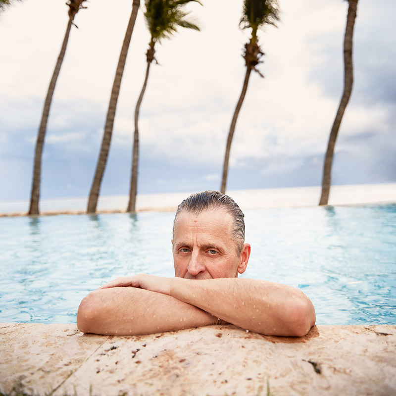 Михаил Барышников все свои отпуска проводит на доминиканской вилле, наслаждаясь тёплыми водами океана