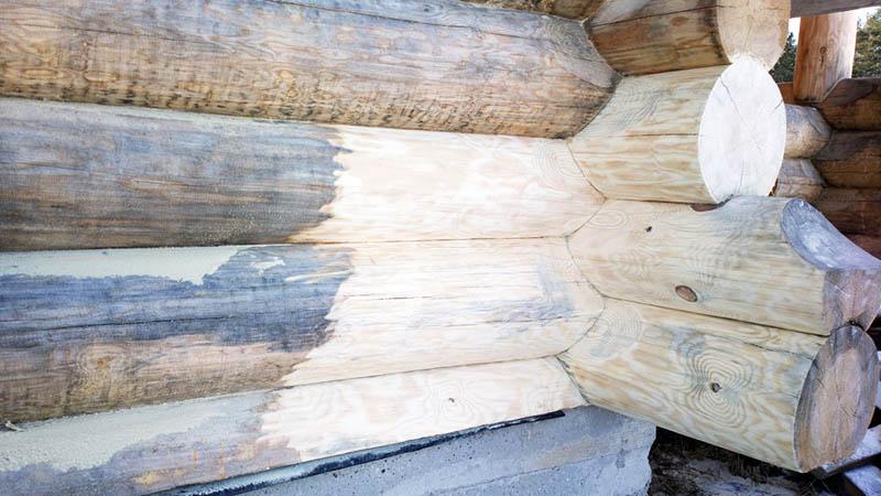 Отбеленная древесина смотрится намного эстетичнее и красивее, чем обычная. Если вы хотите сделать стены из дерева, или решили собрать мебель из досок, снимите верхний слой и очистите доски от пыли