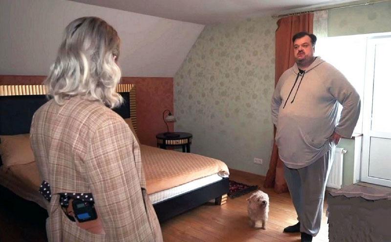 Шикарный дом на одного: где живет популярный комментатор Василий Уткин