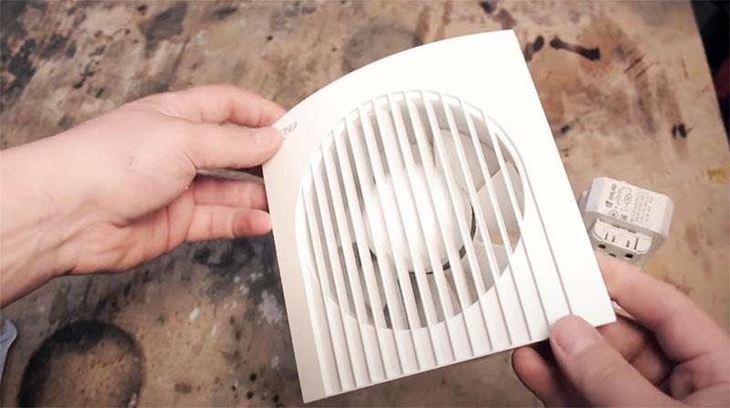 Подойдёт любой маломощный вентилятор, работающий от 220 В
