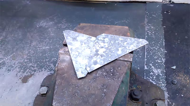 Заготовки сделаны, теперь можно приступить к сборке магнитных уголков