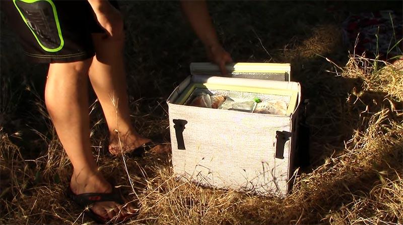 Термосумка достаточно вместительна, поэтому продукты для пикника точно останутся свежими