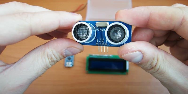 Ультразвуковой дальномер – именно он будет собирать и передавать данные о расстоянии к «мозгу» собранного прибора