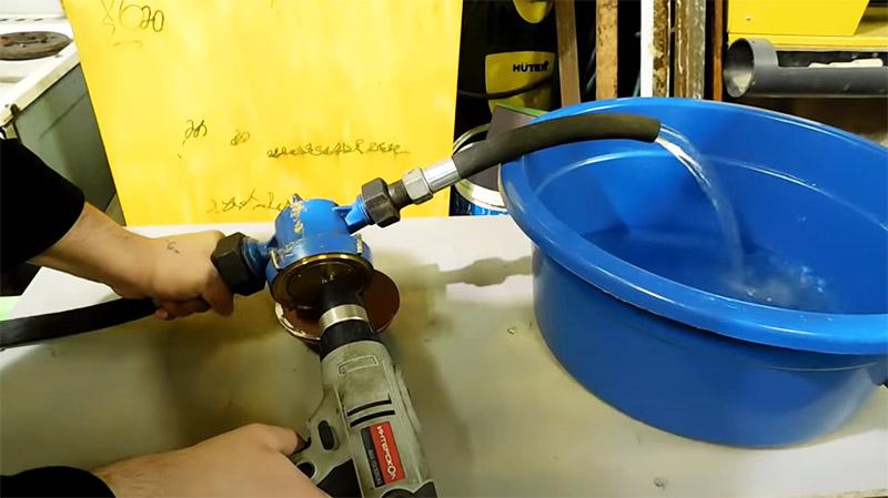 Такой насос будет прекрасно перекачивать воду даже на значительное возвышение