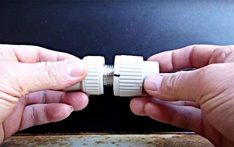 Почему резьбовые фитинги нужно сначала накрутить без уплотнителя