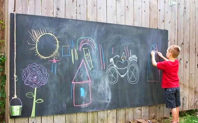 Вот что можно сделать на даче для детей – очень полезное решение