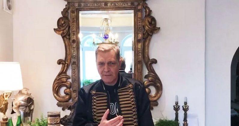 Как выглядит замок скандального журналиста Александра Невзорова