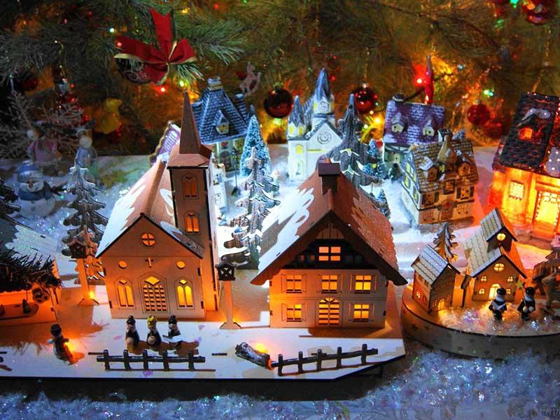 Ночник для детской в форме рождественского домика