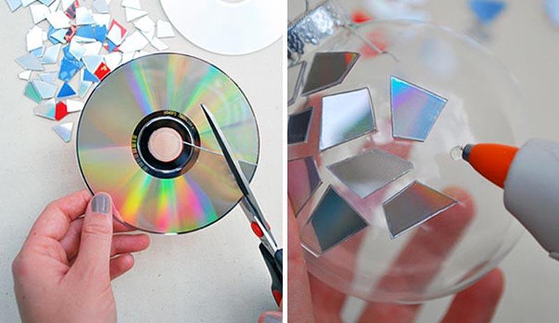 С помощью испорченных компакт-дисков можно преобразить старые ёлочные шары