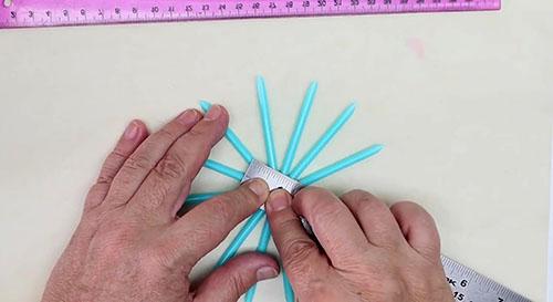 Новогодняя ёлочка своими руками из подручных материалов