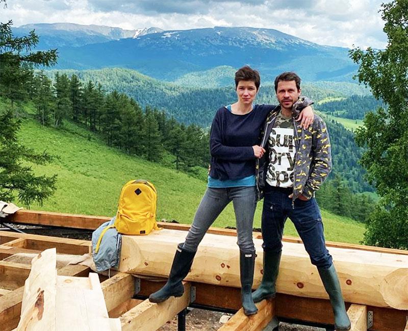 Павел Деревянко остепенился и начал строить собственный дом на Алтае
