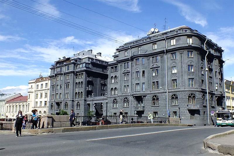 Сергей Шнуров и его апартаменты