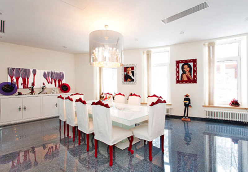 Яркие страсти в звёздном доме музыканта Михаила Турецкого