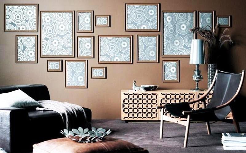И даже просто один яркий рисунок, заключённый в разные рамки, как в этом примере, станет настоящим украшением вашей комнаты