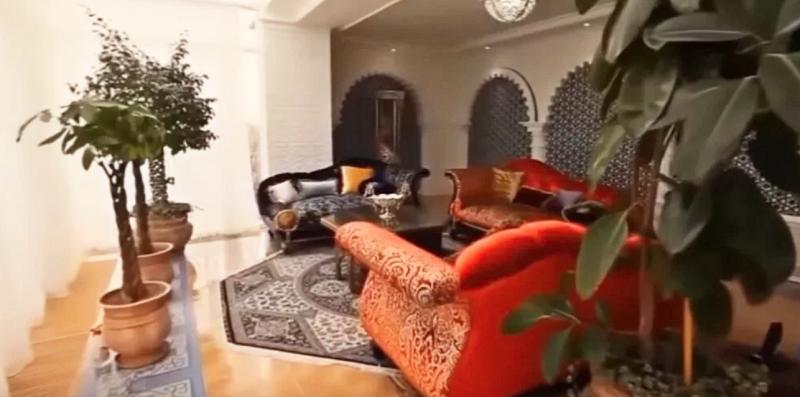 Роскошь и золото во дворцах и поместьях миллиардера Алишера Усманова