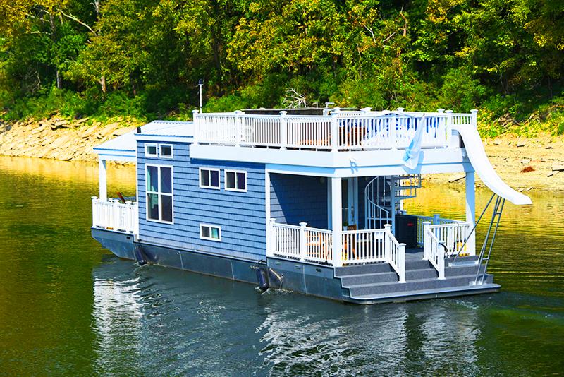 Вы можете пристать к своим соседям, если захотите сходить в гости или отправиться в путешествие вниз по реке, не покидая удобного кресла