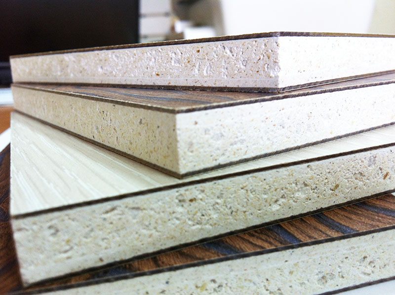 Так как в составе этого материала отсутствуют токсические вещества, СМЛ рекомендованы к строительным и ремонтным работам в детских и медицинских учреждениях