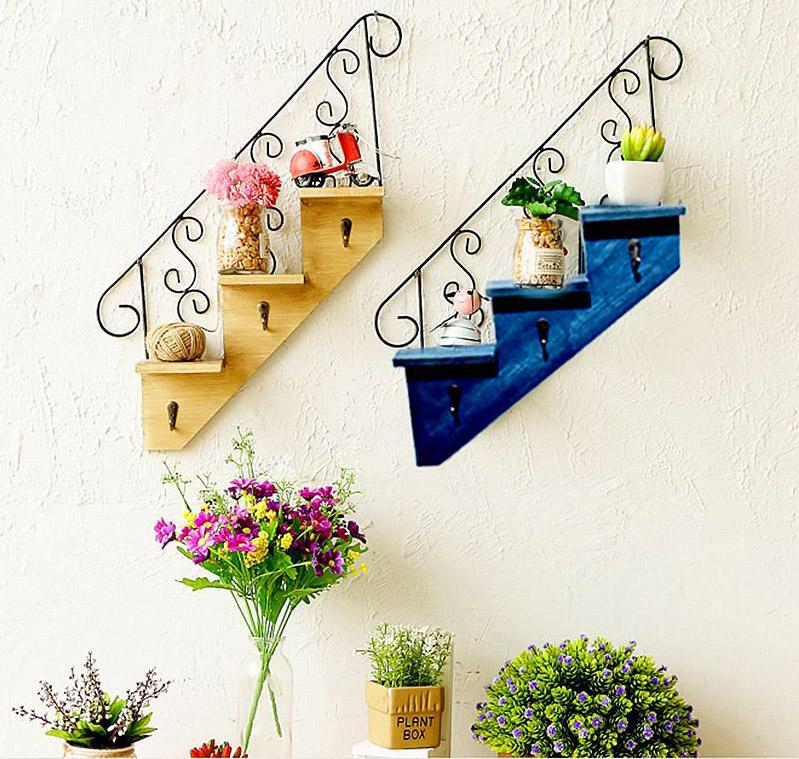 Например, вот эти полки по сути не являются лестницами, но сама идея выглядит великолепно