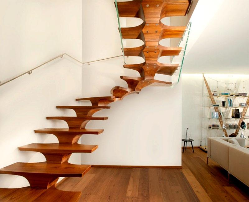 Некоторые лестницы словно парят в воздухе, тем не менее имеют надёжное крепление