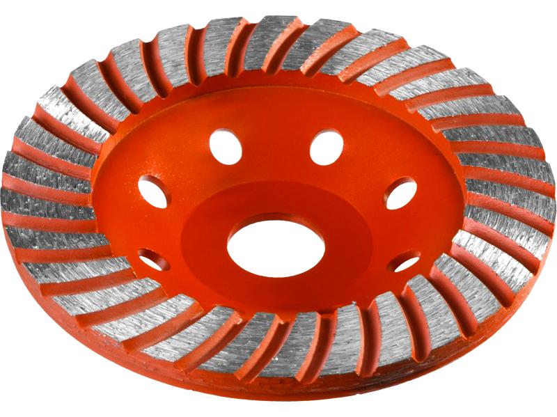 Абразивные круги в форме чаши можно применять и по каменной поверхности, и по металлу. Но имейте в виду – длительная работа с такой насадкой может быстро вывести из строя ручной инструмент