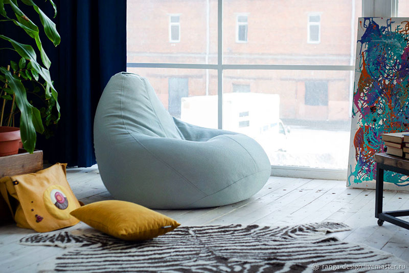 И теперь не только форма является «фишкой» этой мебели. Речь идёт и о материалах, и о цветовой гамме