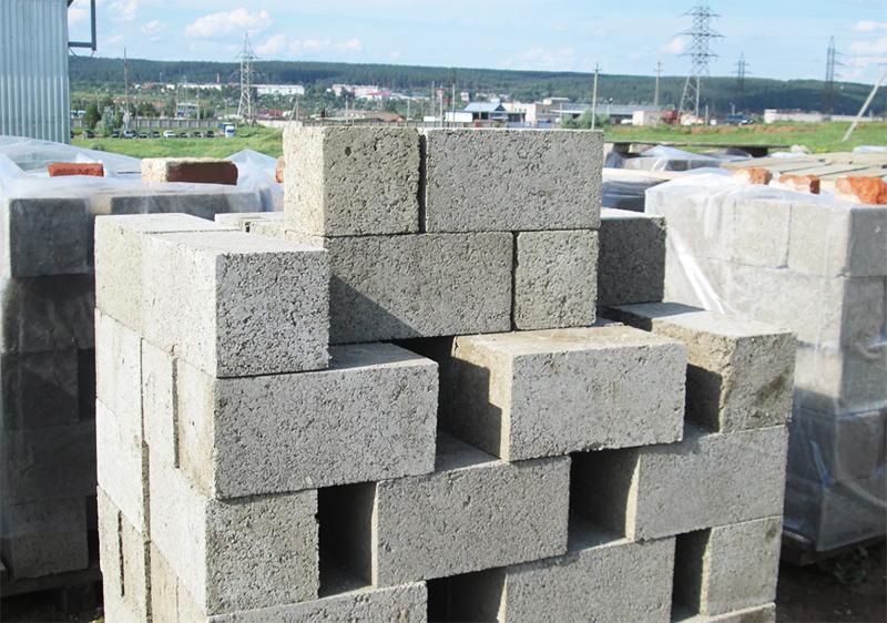Так как блоки имеют небольшой вес, они не ломаются при падении