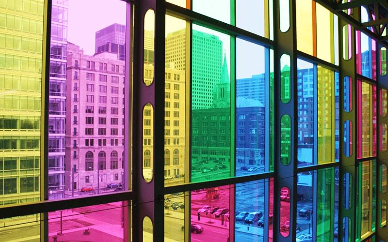 Нужно подумать, как это будет сочетаться с вашим интерьером. Если в нём присутствуют яркие цвета – то почему бы нет?