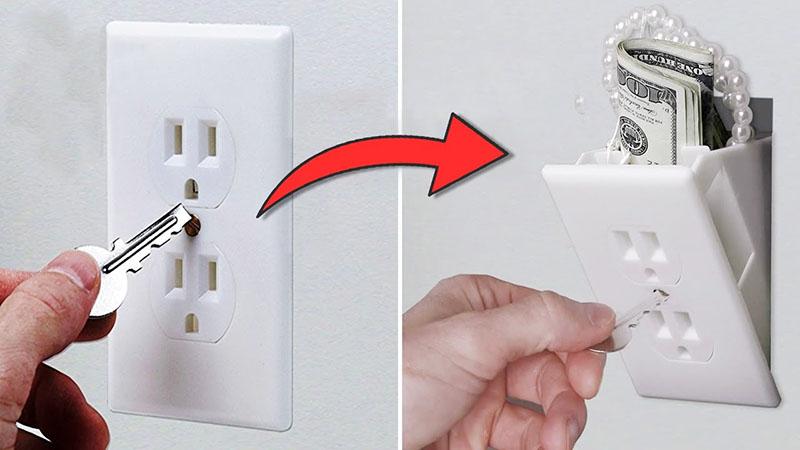 Небольшая ниша в стене, замаскированная под розетку, может даже закрываться на ключ. Такие приспособления можно найти на «Алиэкспрессе»