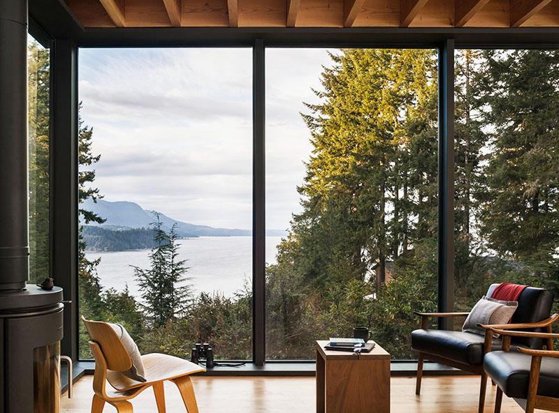 Лучше всего устанавливать панорамные окна в строящихся загородных домах, а также в современных новостройках элитного типа